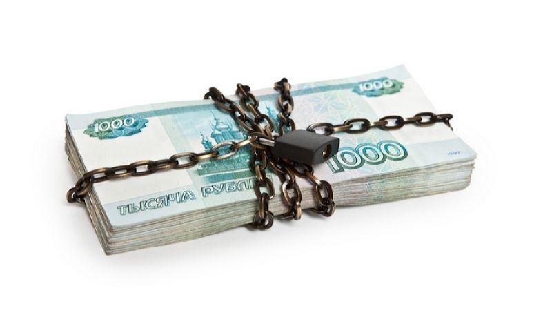 научиться откладывать деньги и экономить