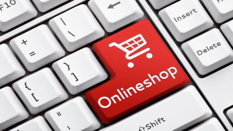 больше всего покупают через интернет