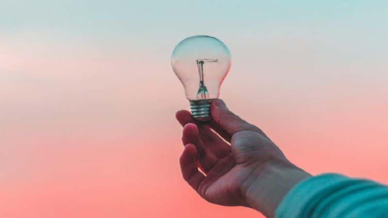 как начать работать на себя без вложений простые идеи
